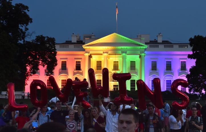 president-obama-celebrates-pride-marriage-equality-president-obama-stonewall-inn-lgbt-rights